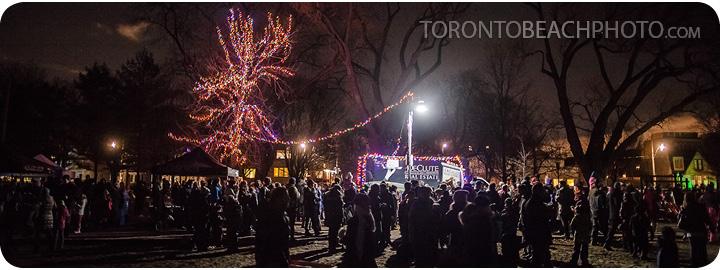 toronto-boardwalk-christmas-tree-lighting