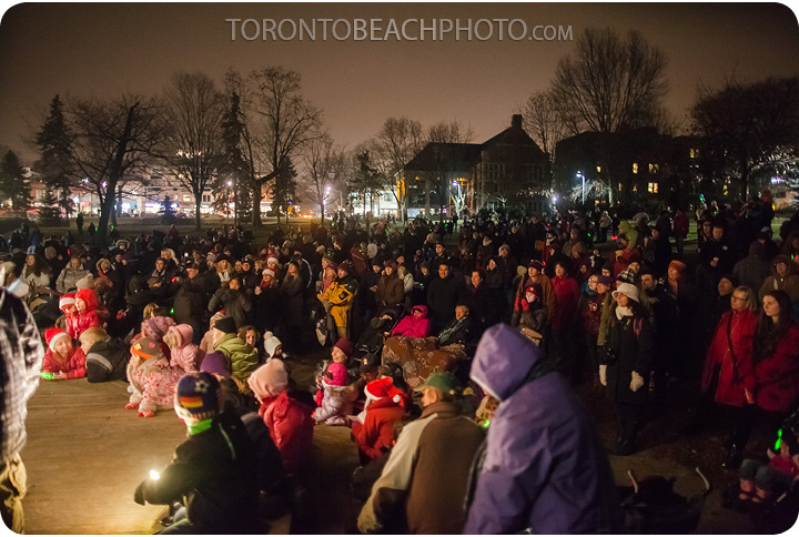 lions-tree-lighting-2012-11