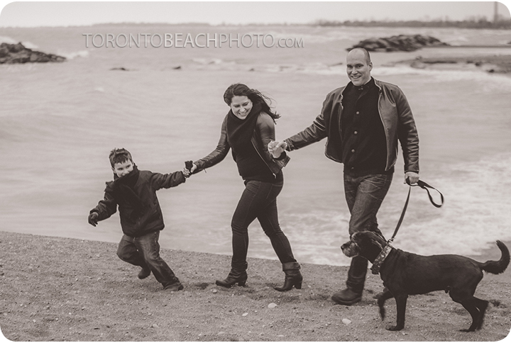 04-winter-toronto-family-photo