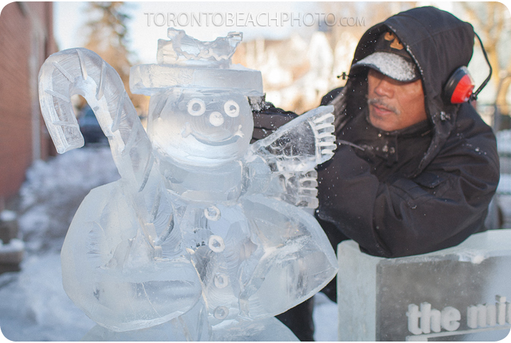2013-beach-family-day-ross navarro ice sculpture